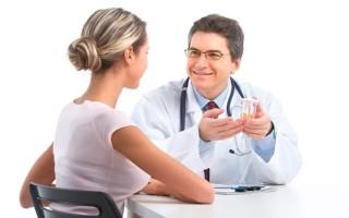 Первичные симптомы и причины появления двухкамерной кисты яичника