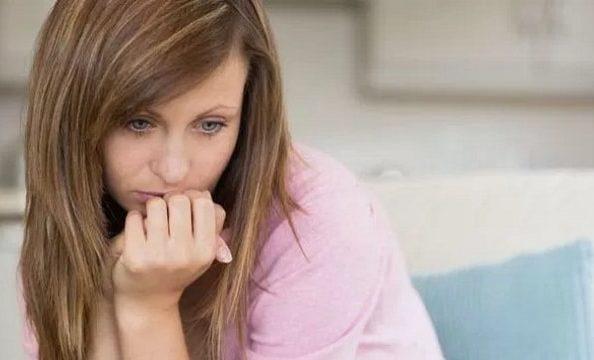 Женщина со сбоем гормонального фона