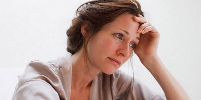Женщина в нервном напряжении