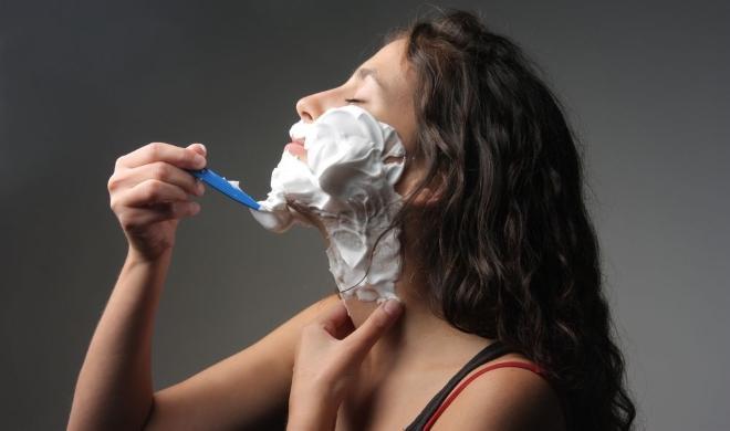 Оволосение по мужскому типу у женщины при саркоме яичника