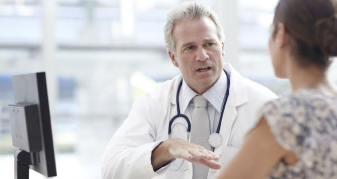 Беседа с пациенткой перед биопсией яичника