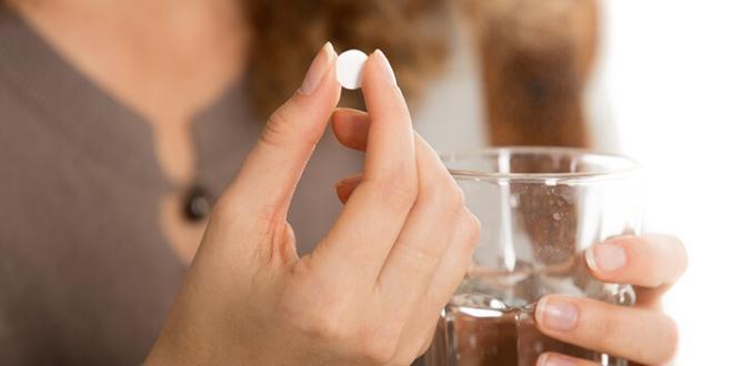 Приём гормональных таблеток при аденоме яичника