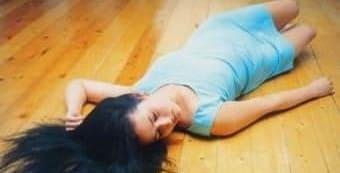 Беременная девушка потеряла сознание из-за разрыва яичника