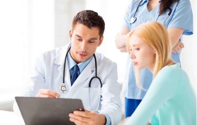 Консультация врачей перед энуклеацией яичника