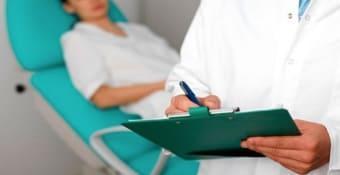 Гинеколог оказывает помощь в приёмном отделении