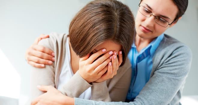 Женщине с гиперторможением яичников нужна психологическая помощь