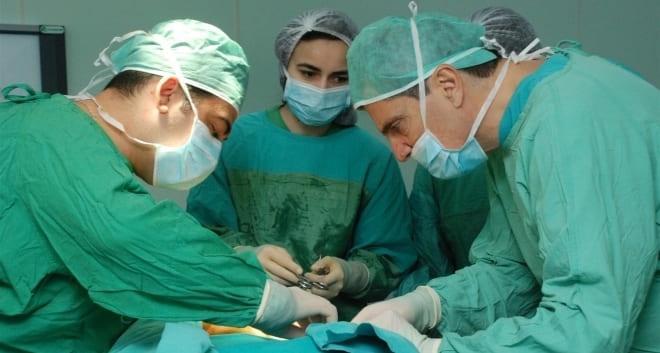 Оофорэктомия яичников при помощью лапаротомии